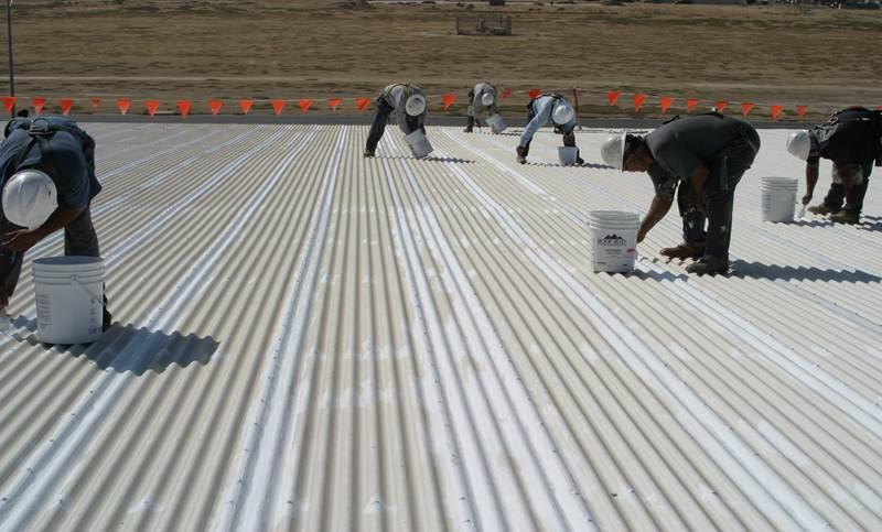 Обработка металлической крыши