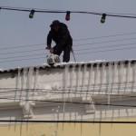 Очистка крыши от сосулек в Щёлково