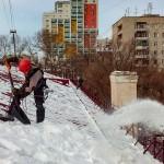 Очистка от снега кровель в Химках