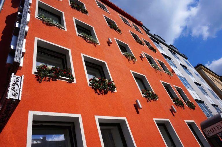 Высотная покраска и ремонт фасада гостиницы