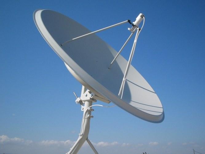 Установка спутниковой антенны высотником
