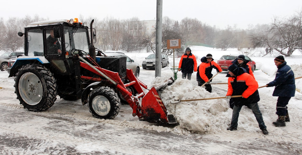 уборка снега коммунальными службами