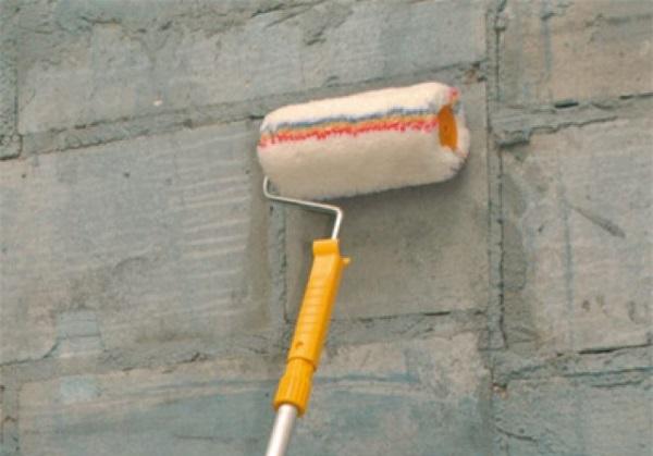 Грунтовка стен из газобетонных блоков