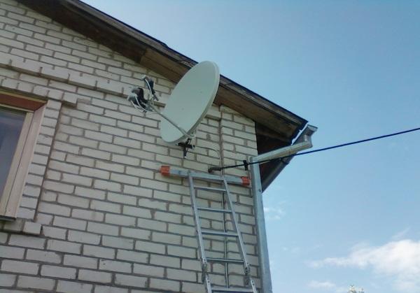 montazh_sputnikovoi_televisionnoi_antenny